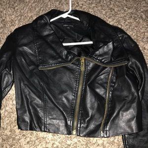 Jackets & Blazers - Cropped black leather jacket